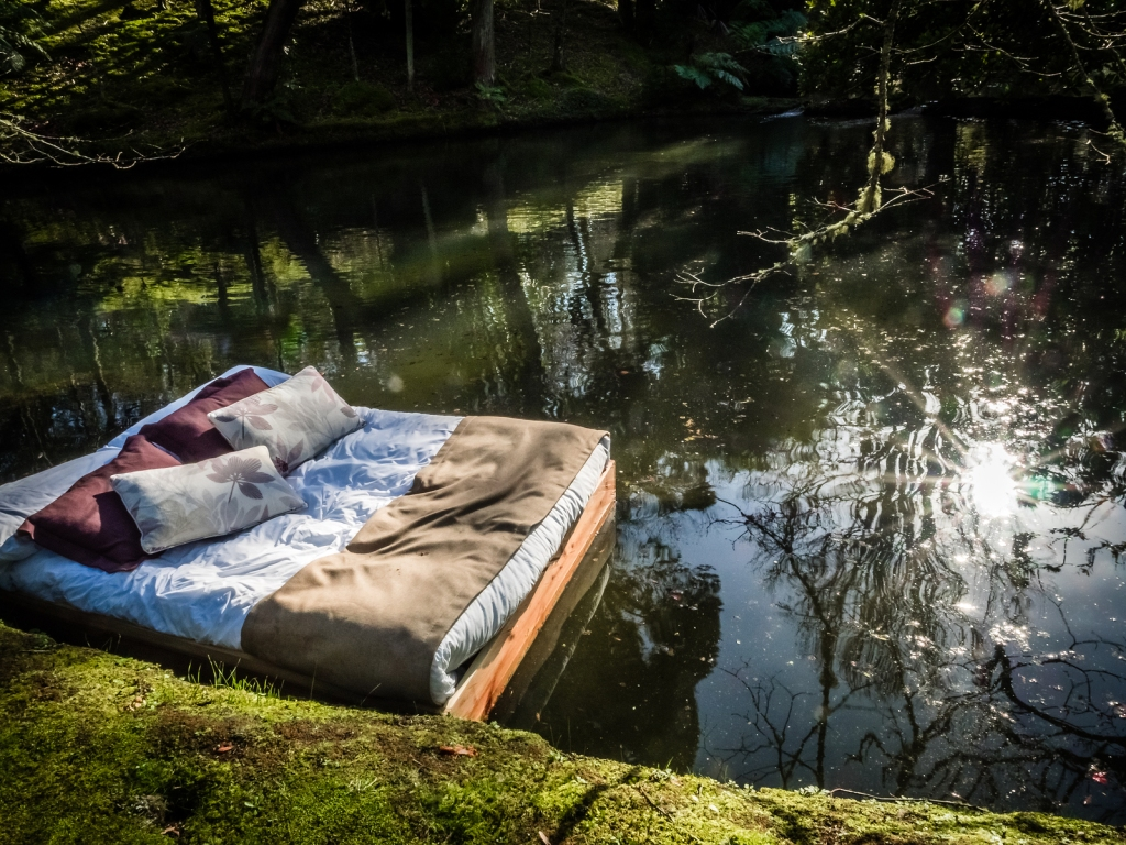 This image has an empty alt attribute; its file name is bigstock-bed-on-a-lake-119120654.jpg